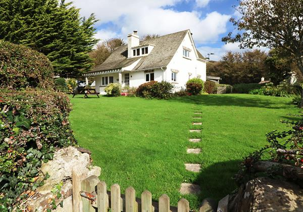Hills View Croyde Holiday Cottages Front Of House New