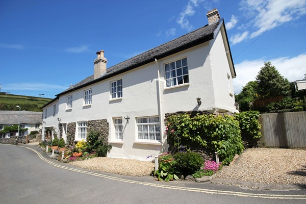 Montague House Croyde Holiday Cottages Front MB