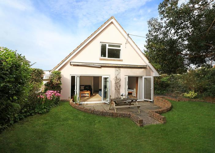 Summershores Croyde Holiday Cottages New External Back Garden