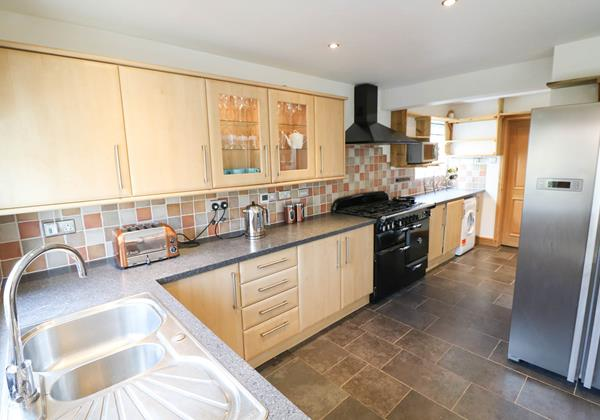 Hideaway Croyde Holiday Cottage Kitchen