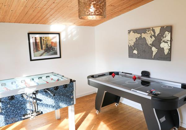 Hideaway Croyde Holiday Cottage Games Room