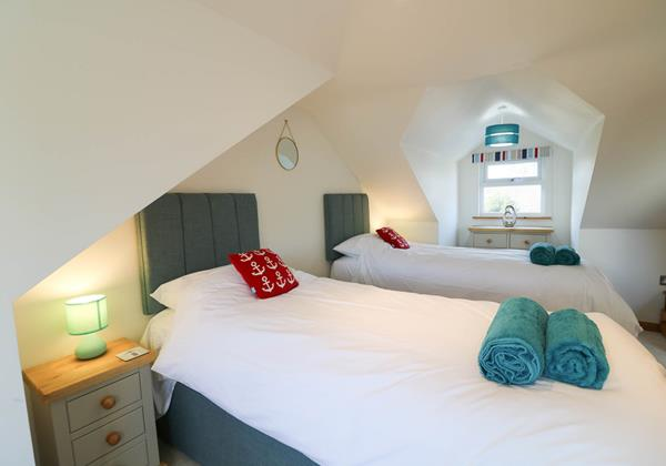 Hideaway Croyde Holiday Cottage Upstairs Twin