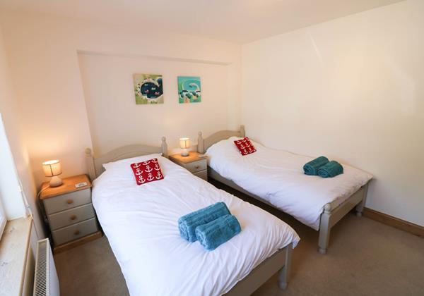Hideaway Croyde Holiday Cottage Ground Floor Twin Room