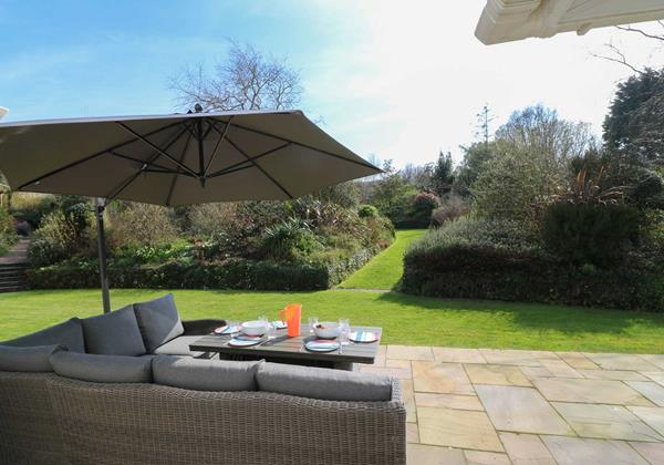 Langtrees Croyde Holiday Cottage Outdoor Dining