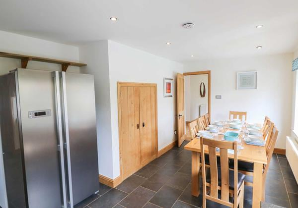 Hideaway Croyde Holiday Cottage Dining Spae