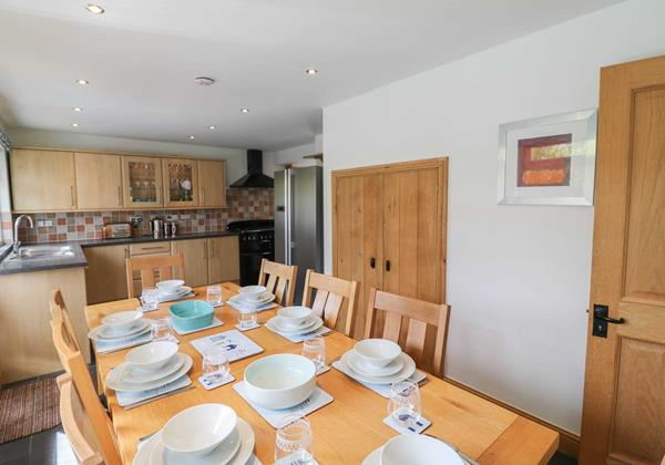 Hideaway Croyde Holiday Cottage Kitchen And Dining