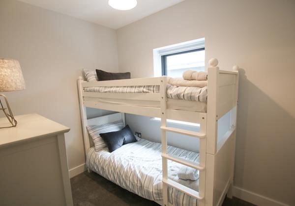Mondos Croyde Holiday Cottage Bunk Room