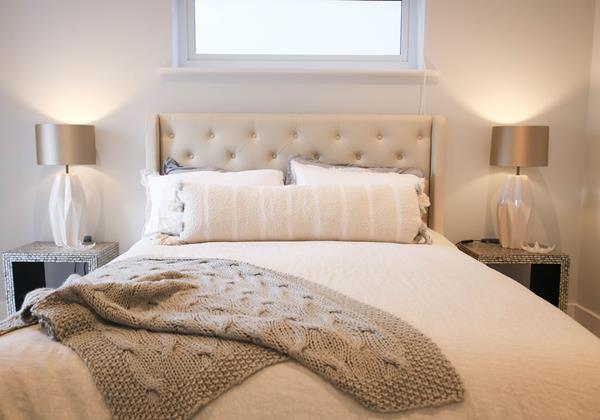 Tresona Croyde Holiday Cottage Master Bedroom Bed