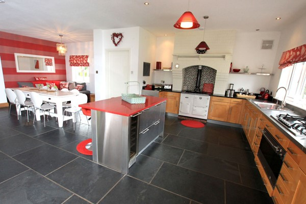 The Lindens Croyde Holiday Cottages Kitchen & Dining