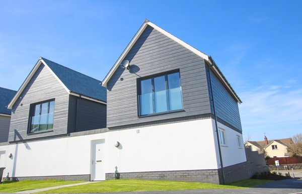 Mondos Croyde Holiday Cottage Front Of Property