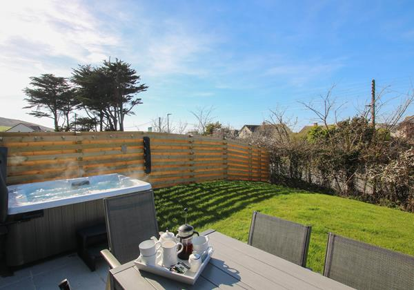 Mondos Croyde Holiday Cottage With Hot Tub