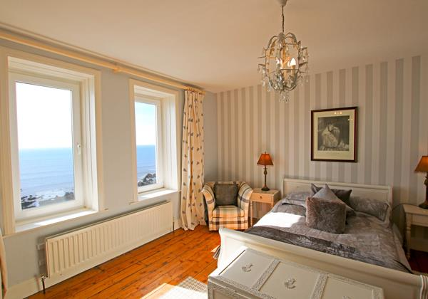 The White House Croyde Holiday Cottage Double Room