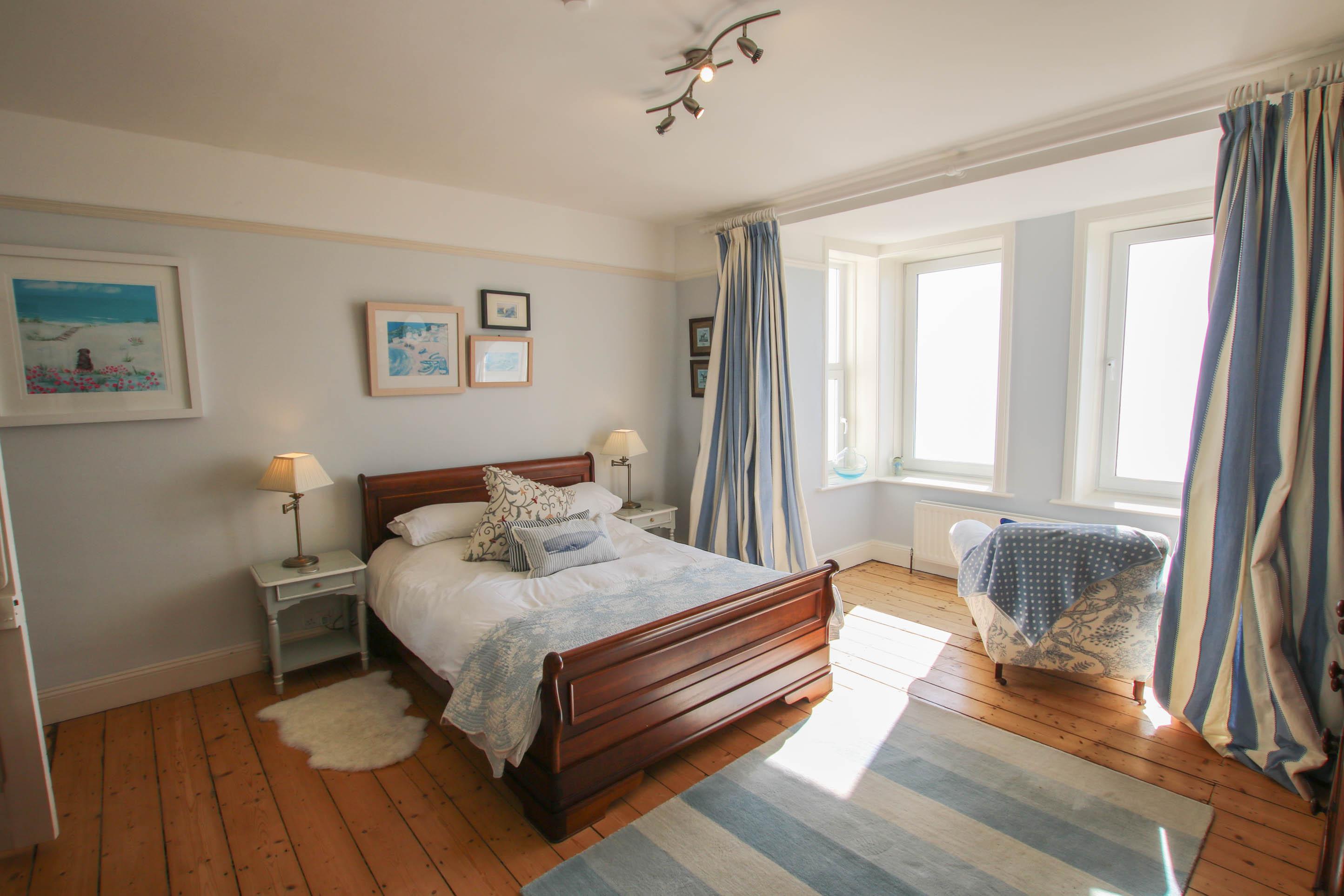 The White House | Croyde Holiday Cottage | Impressive Sea Views ...