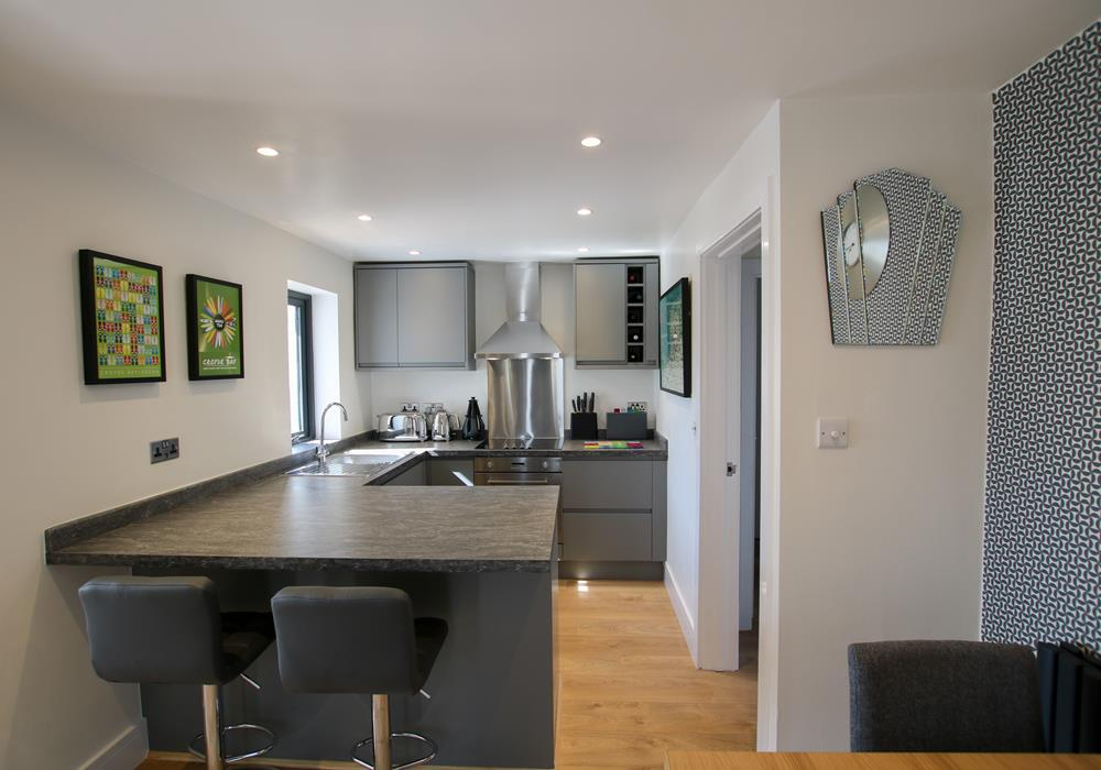 Sand Dunes Croyde Holiday Cottage Dining To Kitchen