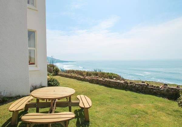 The White House Croyde Holiday Cottage Sea View