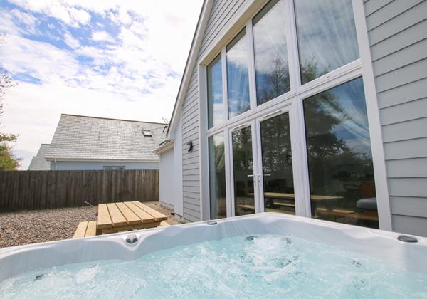 The Breakers Woolacombe Holiday Cottage Hot Tub 4