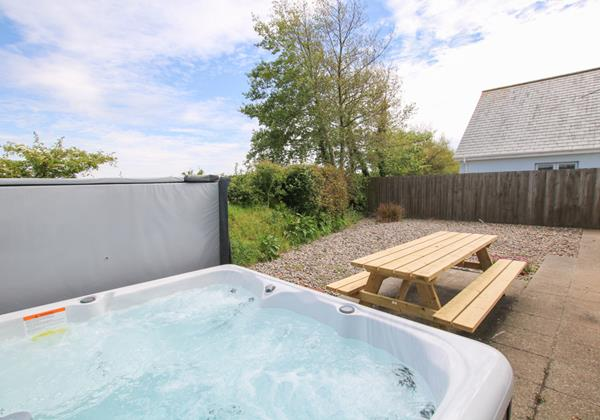 The Breakers Woolacombe Holiday Cottage Hot Tub 5