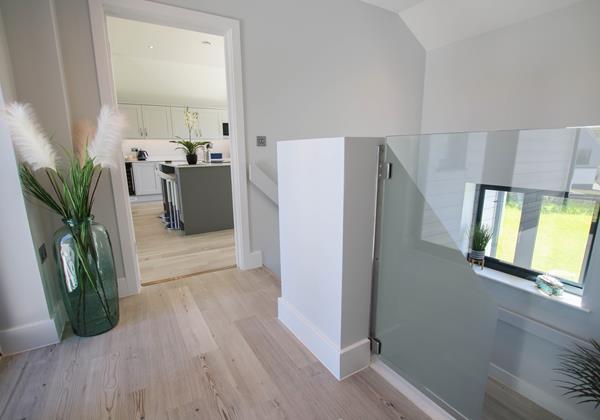 Sharlands 11 Croyde Holiday Cottages Details