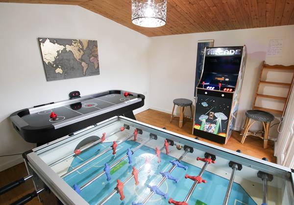 Hideaway Croyde Holiday Cottages GAMES ROOM