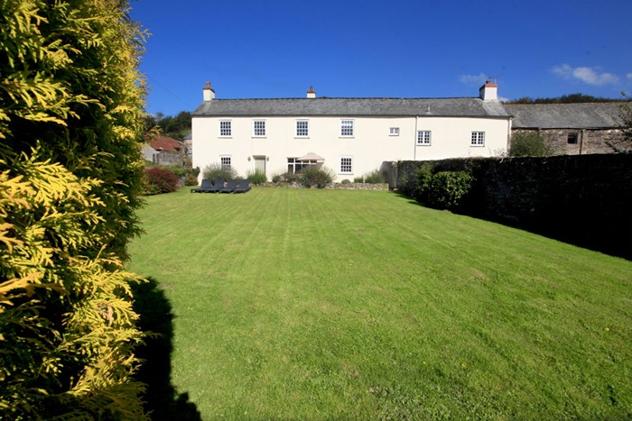 The Long House Nethercott Georgeham Holiday Cottages Front Of Property