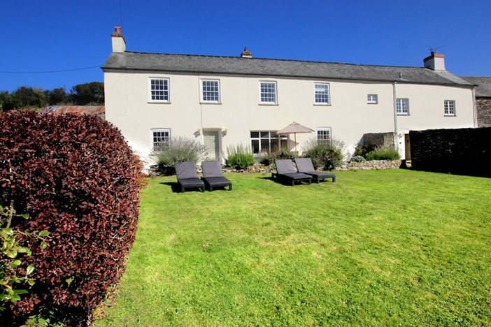 The Long House Nethercott Georgeham Holiday Cottages Front Of Property / Out Side seating