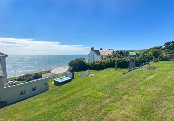 The White House Croyde Holiday Cottages 14 Of 18
