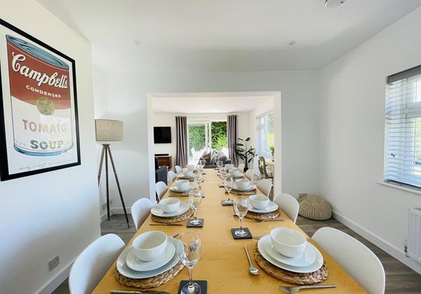 Sea Whisper Croyde Dining Room