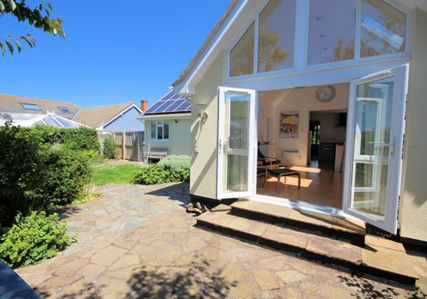 Westside Croyde Holiday Cottages Large Terrace
